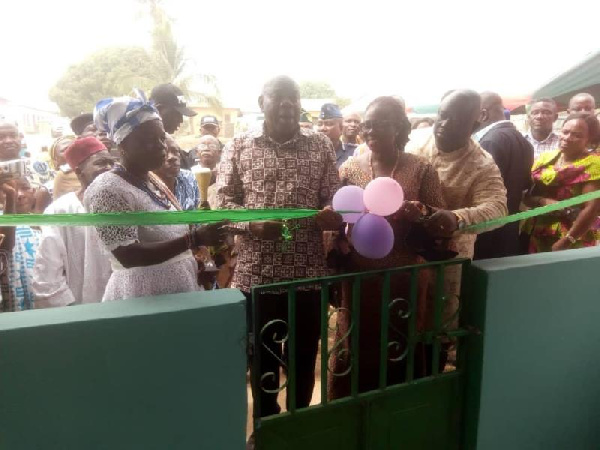 Nkonya Asakyiri gets CHPS compound