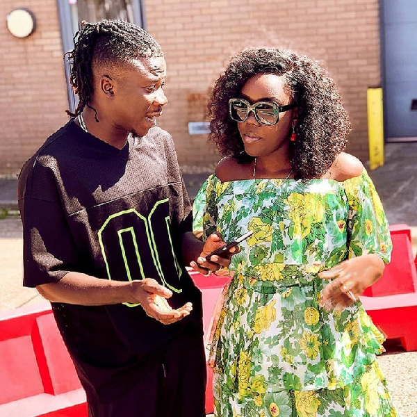 Stonebwoy pulls romantic Valentine's Day surprise on his wife